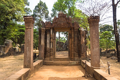 An inside-out room (abbobbotho) Tags: cambodia angkorwat banteaysrei siemreapprovince kh