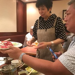 韓国焼肉屋に、清川虹子?水前寺清子?がいたー #韓国焼肉  #尖沙咀  #火鍋