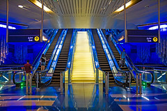 golden stairs (werner boehm *) Tags: wernerboehm uae unitedarabicemirates dubai metro stairs architecture