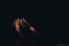 La voz de nunca. A partir de Esperando a Godot, de Samuel Beckett - Luz Arcas (Estragón) - Teatro Echegaray (Málaga) (Javier Suárez Gómez (javisuarezgomez@gmail.com)) Tags: dance theatre performingarts waitingforgodot málaga contemporarydance samuelbeckett enattendantgodot danzacontemporánea esperandoagodot teatroechegaray laphármaco luzarcas lavozdenunca javiersuárezgómez laphármacodancecompany danceandtheatre