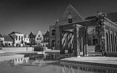 Ilha de Bruges (Bruges Island) - The Euro Royal (marcelo.guerra.fotos) Tags: brazil blackandwhite blancoynegro brasil blackwhite noir noiretblanc londrina urbanscene theeuroroyal brugesisland
