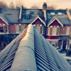 "Goodmorning #Wimbledon Park! #frozen #bye2014 #sw19 #London #Londra #victorianhome #cold #bluesky #uk #roof #topfloor #home • <a style=""font-size:0.8em;"" href=""http://www.flickr.com/photos/8364105@N02/15967003098/"" target=""_blank"">View on Flickr</a>"