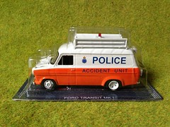 De Agostini - Ford Transit Mark 1 - Police Accident Unit - Die Cast Scale Model Emergency Services Vehicle (firehouse.ie) Tags: cars car office garda cops guard police pd deputy sherrif vehicles sd civil le cop vehicle service law enforcement sheriff guards squad emergency gs polizei department officer patrol swat policia guardia dept unit polis ert units aru eru constabulary gardai crusier gendarm siochana gendarmie siochanna