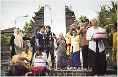 Then Check Your 'Clothes' (Bali Freelance Photographer) Tags: life people bali nature beauty canon indonesia eos photo foto stock culture daily cultural alam budaya balinese culturalevent myudistira madeyudistira myudistiraphotography