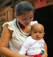 Mother and baby (Linda DV (back, catching up)) Tags: china travel people geotagged culture clothes guizhou ethnic minority dong ethnology 2014 liping geomapped sizhai minorité minderheid lindadevolder picmonkey:app=editor