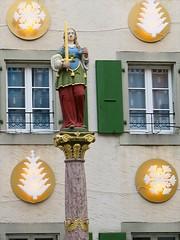 // la Fontaine de l'Injustice (Riex) Tags: house fountain statue switzerland suisse maison fontaine injustice faade cully vaud g7x delajustice