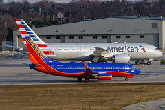 Southwest Boeing 737-7H4 N822WN  'Southwest Airlines Salutes the Tuskegee Airman - Giving History a Future' (MIDEXJET (Thank you for over 2 million views!)) Tags: wisconsin unitedstatesofamerica milwaukee boeing 737 southwestairlines mke boeing737 737700 7377h4 boeing7377h4 kmke milwaukeewisconisn generalmitchellintenationalairport