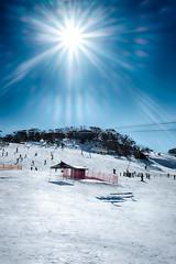 Perisher @ 7 degrees (Michael Akayan) Tags: fujifilmxe2 australiancapitalterritory australia snow sun flare skiing winter