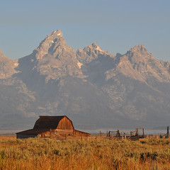 USA - Wyoming - Grand Teton NP - Mormon Row (Harshil.Shah) Tags: usa mountains barn america rockies us united rocky grand row mormon states wyoming teton wy
