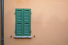 18 (kamalgulzar) Tags: mantova italia mantua italy streetphotography door window