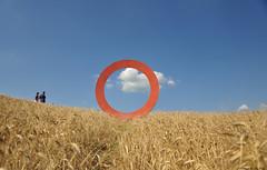 Crop circle (natale.riili) Tags: volterra pisa grano paesaggio landscape tuscany cerchio toscana colline estate summer sun citt medievale operaartistica cielo sky clouds nuvole etruschi