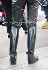 """bootsservice 16 490067 (bootsservice) Tags: paris """"gay pride"""" """"marche des fiertés"""" bottes cuir boots leather sm motards motos motorcyclists motorbiker caoutchouc rubber uniforme uniform orlando"""
