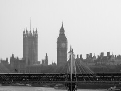 [ARCHIVES]London (DiscoloredBlueSummers) Tags: uk england bigben tower clock bridge bw london