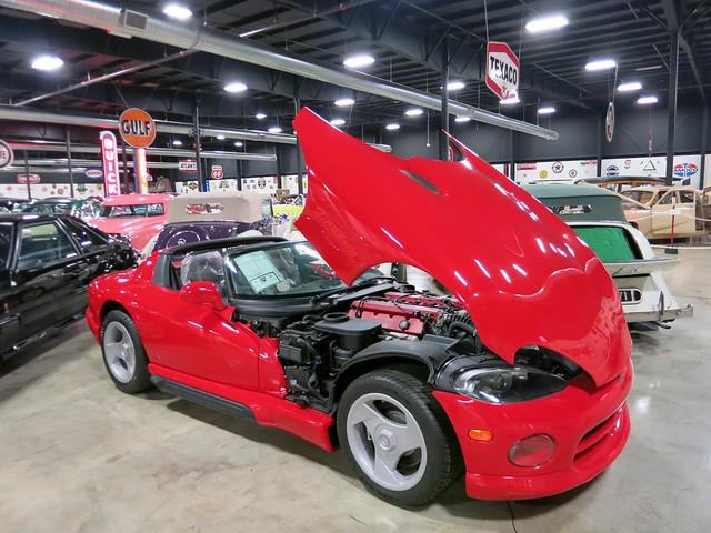 car automobile dodge viper v10 roadster sportcar tupeloautomobilemuseum