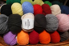 Knit your dream in Greece! (sifis) Tags: color colour art wool sweater knitting knit craft athens yarn greece jacket cashmere lang lx7 αθήνα sakalak panasonik μαλλιά πλέξιμο πλέκω βελόνεσ σακαλάκ sakalakwool