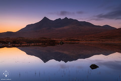 Cuillin Reflection (Antonio Carrillo (Ancalop)) Tags: longexposure bw lake mountains skye water sunshine canon reflections lago scotland agua soft escocia amanecer le 09 lee loch 1740mm reflejos montaas density ecosse neutral cuillin sligachan gradual largaexposicin canon1740mmf4l neutra gnd densidad nd64 glensligachan antoniocarrillo 5dmarkii highlads bwnd64 ancalop lucroit leesoft09gnd