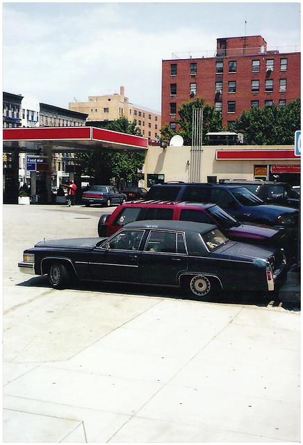 2003 city nyc newyork station harlem gaz cadillac deville