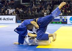 Hildebrand A._vs._Darwish M._05 (Seahorse-Cologne) Tags: judo fight lutte martialarts prix dsseldorf darwish lucha hildebrand luta kampf 2015 kampfsport  artesmarciais gevecht djb artesmarciales  artmartial       aaronhildebrand mohameddarwish  judograndprix2015dsseldorf