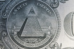 Annuit coeptis (Nicolas) Tags: money macro one bill pyramid dollar nicolasthomas annuit coeptis