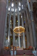 Devant l'autel (pjparra) Tags: church architecture organ gaudi sagradafamilia alter glise barcelone autel orgue pierrejeanparra