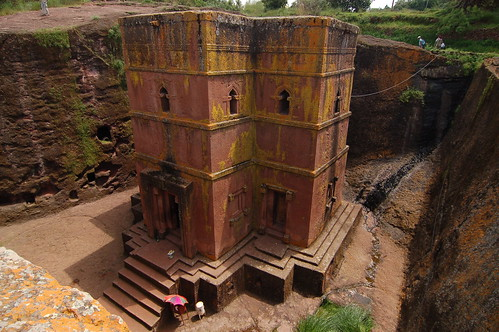 "Lalibela - Biete Saint Georges <a style=""margin-left:10px; font-size:0.8em;"" href=""http://www.flickr.com/photos/125852101@N02/16354365407/"" target=""_blank"">@flickr</a>"