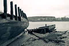 (Marc Le Port) Tags: blackandwhite blackwhite noiretblanc pentax bretagne bateaux nb bateau morbihan noireetblanc paves golfedumorbihan lebono riviredauray marcleport
