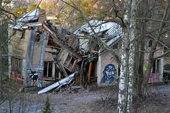 Ruins of a villa in Laajasalo (Helsinki, 20120101) (RainoL) Tags: building buildings finland geotagged helsinki january u helsingfors fin 2012 uusimaa nyland kruunuvuori laajasalo 201201 20120101 geo:lat=6017408400 geo:lon=2501577300