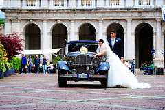 Wedding at Piazza Vecchia, Citt Alta, Bergamo, Italy. (hanna_astephan) Tags: wedding people italy mercedes bride bergamo lombardia classiccars piazzavecchia cittalta angelomailibrary colleonidell