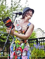 Sigrid Kingma op het theeveld