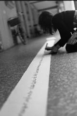 Muri DiVersi (II) (laetitia.delbreil) Tags: monochrome blancoynegro blackandwhite noiretblanc bw nb bn pentacon praktica b200 prakticab200 35mm slr singlelensreflex availablelight outdoor prakticar50mm118 prakticar 50mm 118 ilford hp5 iso400 italia bologna portici portiques porticoes italy viafondazza film pellicule pelcula pellicola jesuisargentique believeinfilm istillshootfilm filmisnotdead filmisawesome ifeelfilm