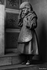 This is the end #17 (Gerhard Busch) Tags: alt figur friedhof genua italien kunst marmor staglieno stein figuren marode
