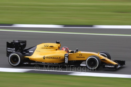 Esteban Ocon in the Renault in Free Practice 1 at the 2016 British Grand Prix