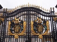 Gate of Buckingham Palace (procrast8) Tags: london england britain united kingdom uk buckingham palace
