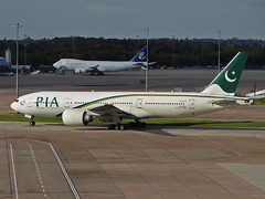 AP-BGY Boeing 777-200LR of Pakistan International Airlines (SteveDHall) Tags: aircraft airport aviation airfield aerodrome aeroplane airplane airliner airliners manchester manchesterairport ringway 2016 apbgy boeing777200 pakistaninternationalairlines boeing 777200 pakistan pia b777 b772 b777200 777 772 boeing777