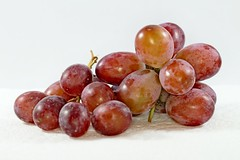 IMG_7949 (LezFoto) Tags: macro canon eos 700d ef100mm f28l redgrapes grapes fruit red