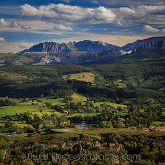 Cantabria infinita (Iñigo Escalante) Tags: cabarceno cantabria paisaje landscape mountain montañas picos de europa verde otoño azul sun sol luz infinita mejor increible panoramica parque la naturaleza