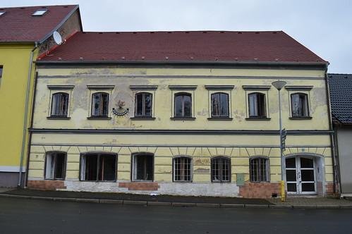 Ein Haus in der Straße Námestí