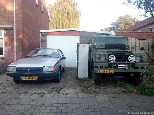Renault Fuego GTL 1983 (JR-19-KY) & Land Rover 109 1973 (2-VKK-20)