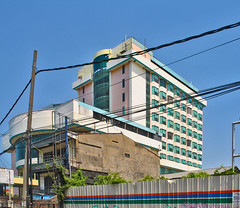 Eks Hotel Satelit (BxHxTxCx (using album)) Tags: surabaya building gedung architecture arsitektur tutup closing
