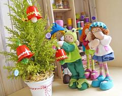 Agora é só enfeitar a sua árvore de Natal! (Ateliê Bonifrati) Tags: christmas cute natal diy craft reciclagem pap christmasbell danoninho passoapasso bonifrati littlebells