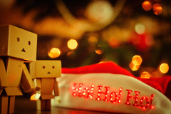 Danbo & Noël-5 (Marc Egensperger) Tags: christmas red lights noël danbo danboard sã©lection