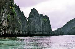 El Nido, tropische torenkarst, Palawan Filippijnen 2001 (wally nelemans) Tags: 2001 philippines karst elnido palawan kras filippijnen towerkarst torenkarst