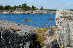 Archipelago landscape with cayaks (annamaart) Tags: summer archipelago sommar skrgrd stockholmarchipelago stockholmsskrgrd arholma