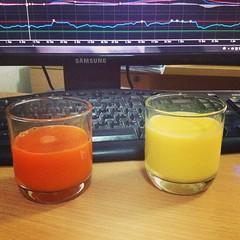 👐 🍷 น้ำผักผลไม้สดๆเพื่อสุขภาพ #เลือกดื่มอะไรก่อนดีนะ #น้ำแครอท 🍹 #น้ำนมข้าวโพด 💃#Homemade 💃🍷