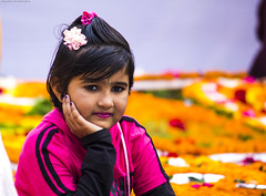 Sweet kid (royudoys) Tags: flowers canon eos kid day sweet mother international language 60d 55250mm