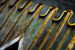 Golden Hut - Versailles (Cosme De Wynant) Tags: green gold golden or vert hut versailles dor cabanon