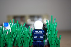 """""""The Hostage"""" (TohruLP) Tags: auto street city house building car computer gangster gun cops lego military police haus criminal weapon cop stadt polizei gebude militr motorrad waffe motobike criminals strase"""