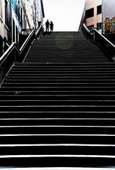 Lyon, La Croix-Rousse (tontonlabiere) Tags: lyon escaliers stairs nikon d800 nikkor 24120 france auvergnerhnealpes lacroixrousse ombres