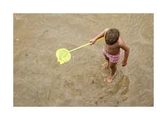 Playeando... (ngel mateo) Tags: ngelmartnmateo ngelmateo santander cantabria espaa playa baador nio red spain bathing beach boy network summer verano playeando