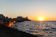 Malecn de oro. Habana - Cuba (Rubn Aranda) Tags: travel viaje sea sun sol atardecer mar cuba habana horizonte malecn